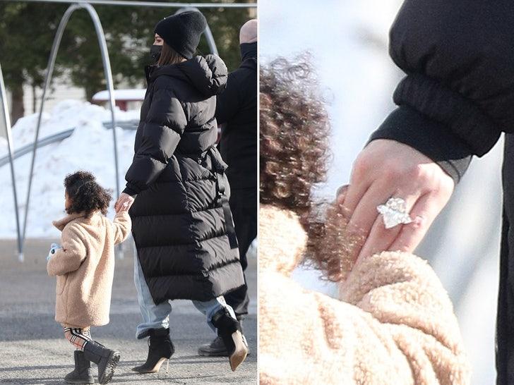 Khloe Kardashian's Giant Ring