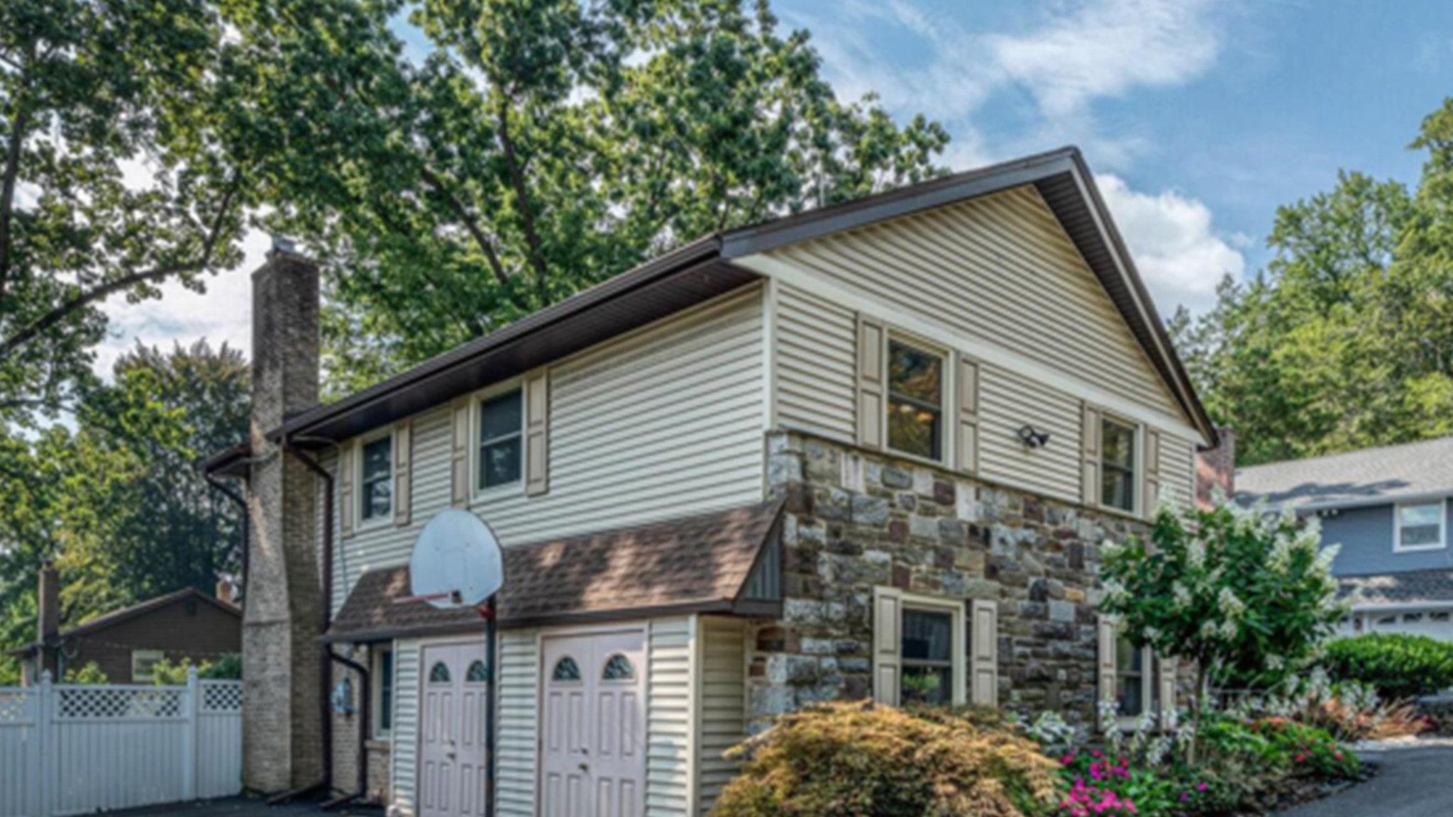 Kobe Bryant Childhood Home Sells For $810k ... Hoop Included!!!