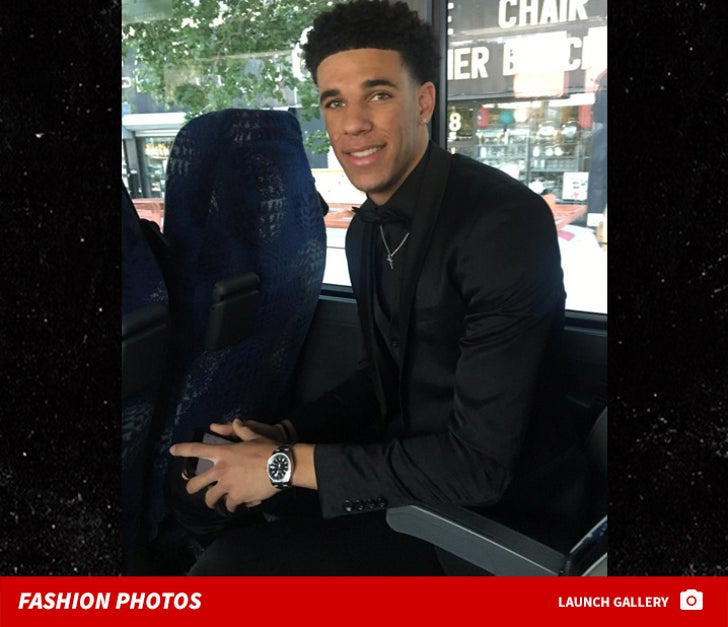 huge discount ddb12 0262f Lonzo Ball Goes All Black Everything for NBA Draft, Check ...