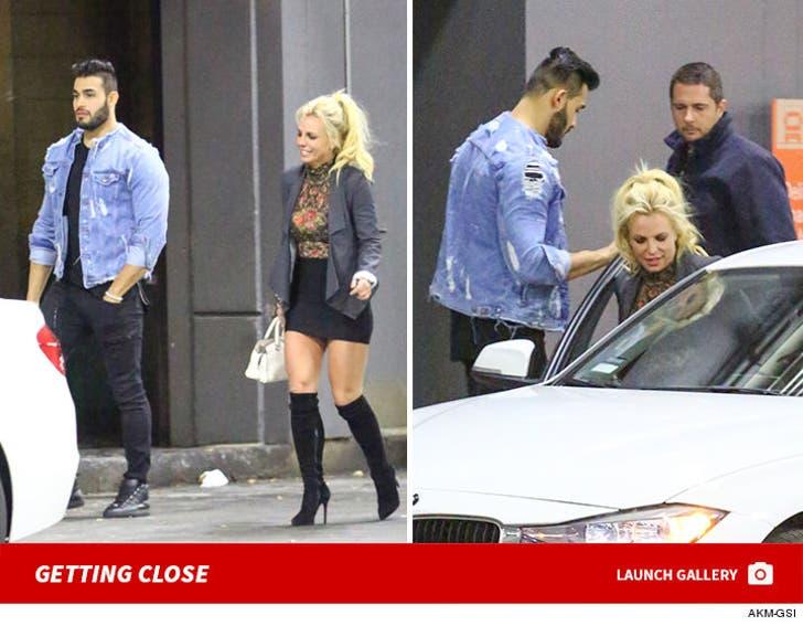 Britney Spears and Sam Asghari -- Getting Close