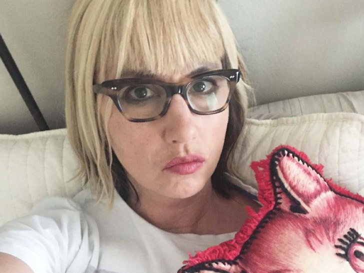 Kim Shattuck of The Muffs and Pixies dead at 56 years old