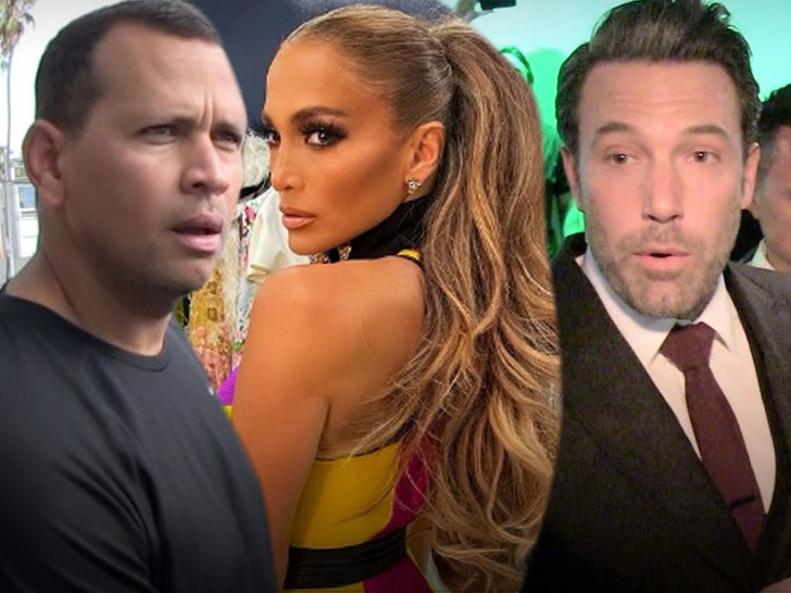 Alex Rodriguez Trolled With 'J Lo' and 'Affleck' Chants During Playoffs Show.jpg