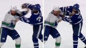 NHL's Wayne Simmonds Wrecks Opponent In Epic On-Ice Fight, 13 Straight Haymakers!