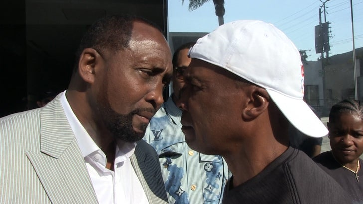 Sugar Ray Leonard Admits Tommy Hearns Won 1989 Fight, 'Should've Got Decision'.jpg