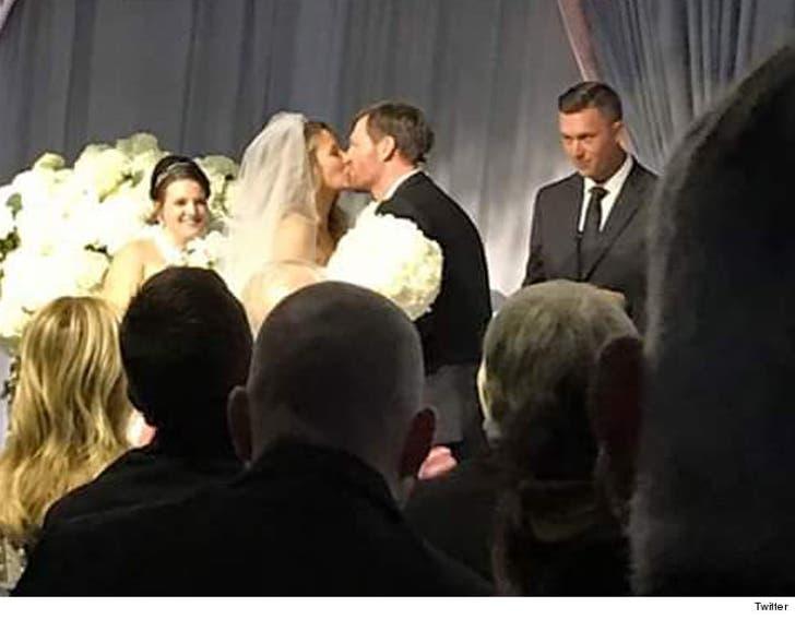 Dale Earnhardt Jr Wedding.Nascar S Dale Earnhardt Jr Gets Married On New Year S Eve