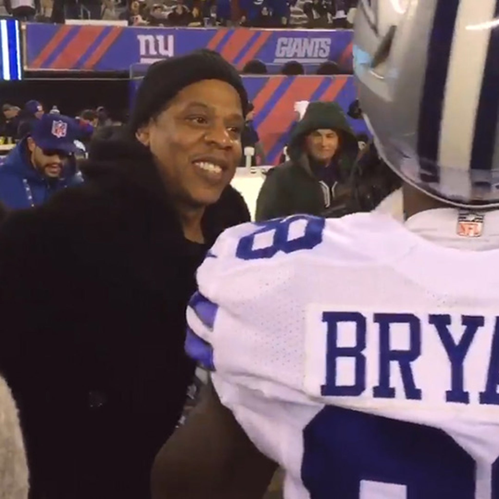 Jay Z S Pep Talk To Dez Bryant Proves Ineffective In Loss To