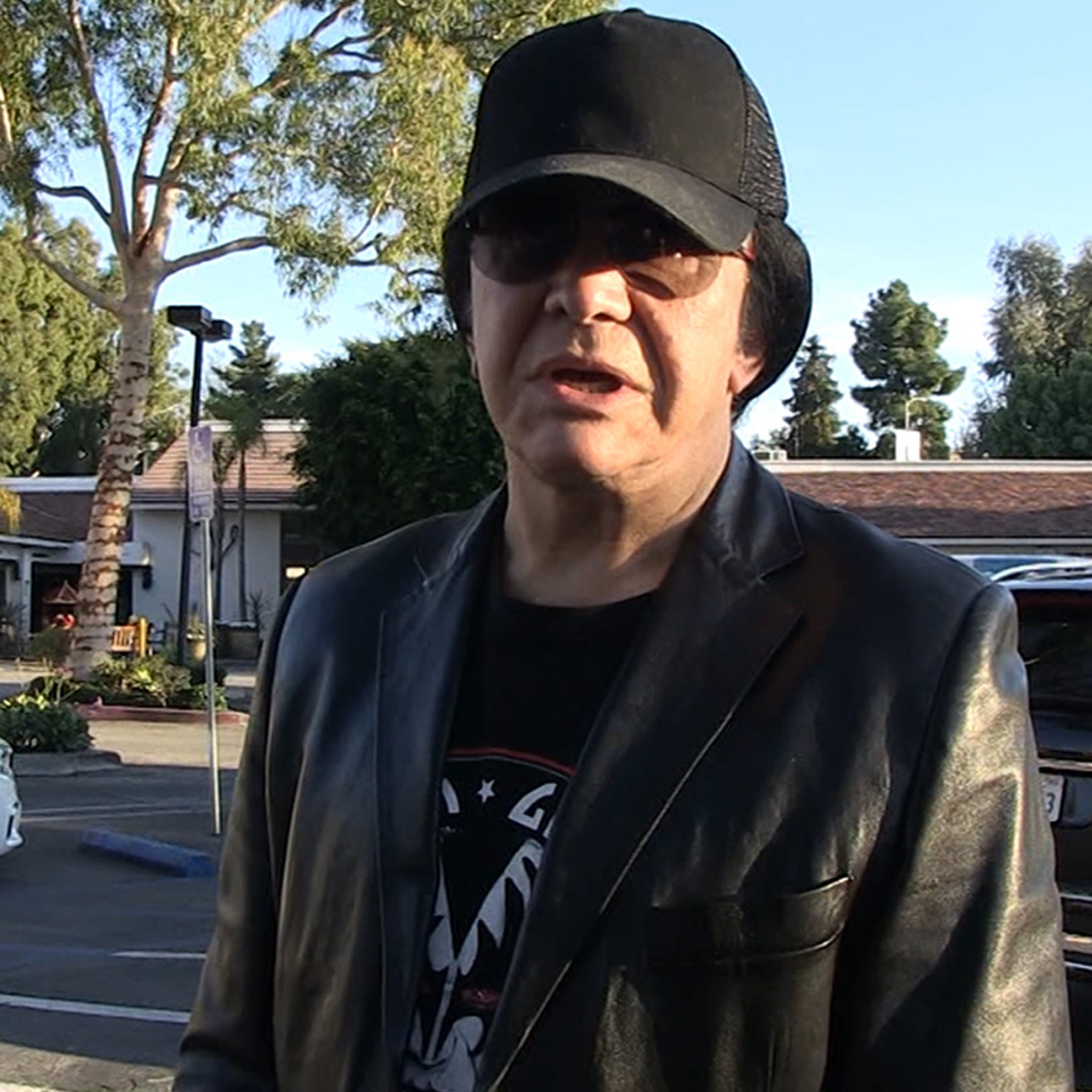 Gene Simmons Defends Putting Ice In His Cereal, Shows How It's Done