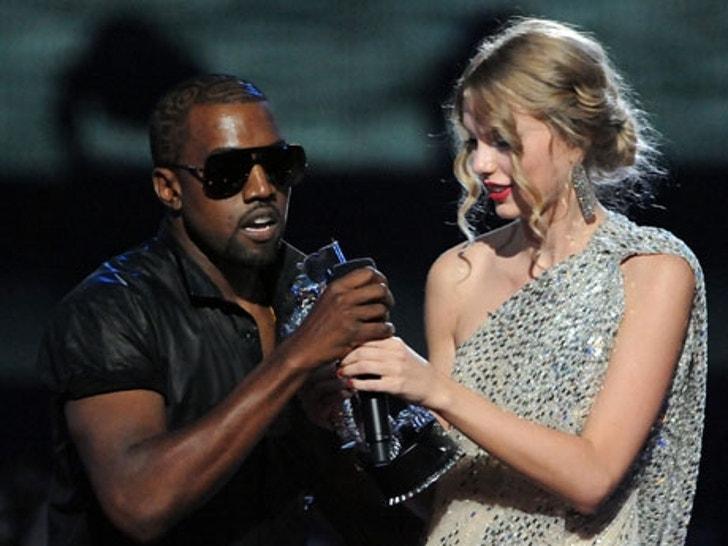 Top 30 Most Memorable VMA Moments