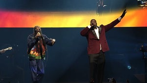 Shaq and Snoop Dogg Sing 'Nuthin' But A G Thang' at Charity Gala