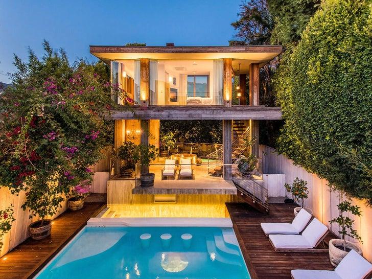 Pamela Anderson's Malibu Beach Home