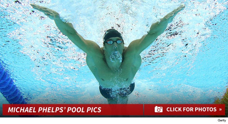Michael Phelps' Pool Pics