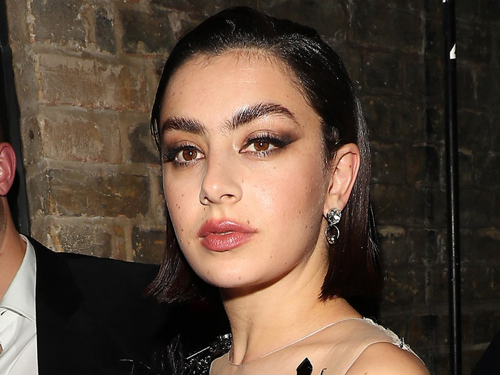Charlie xcx hot