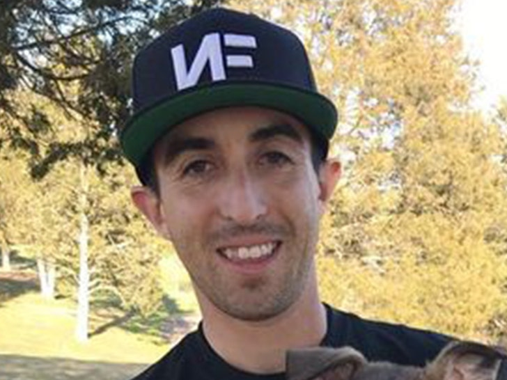 Pro Disc Golf Player Inks $10 Million Deal, Biggest Contract In The Sport!.jpg