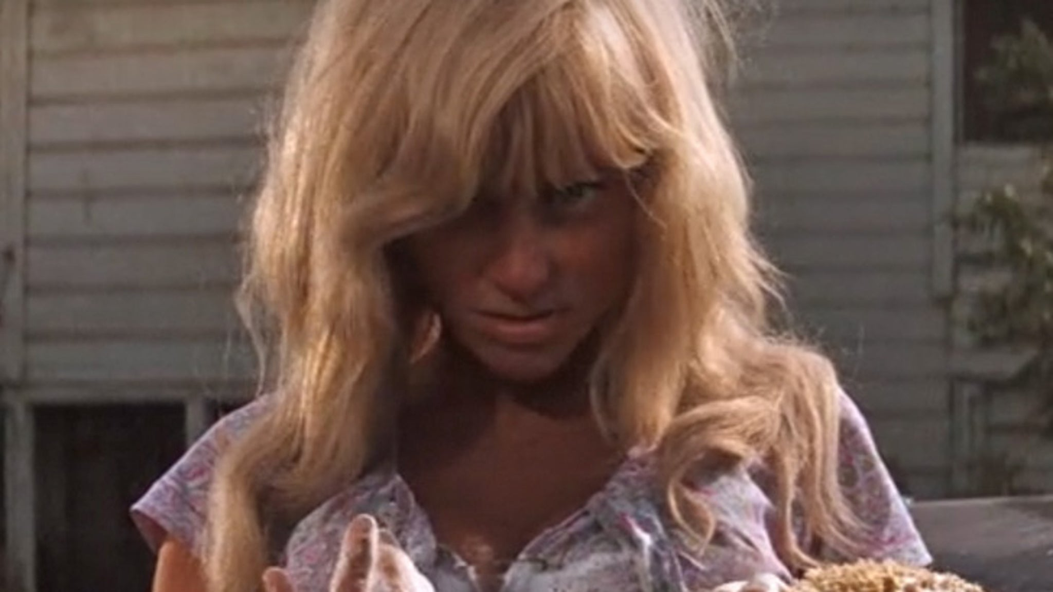 Hot Blonde Car Washer In Cool Hand Luke Memba Her-7938
