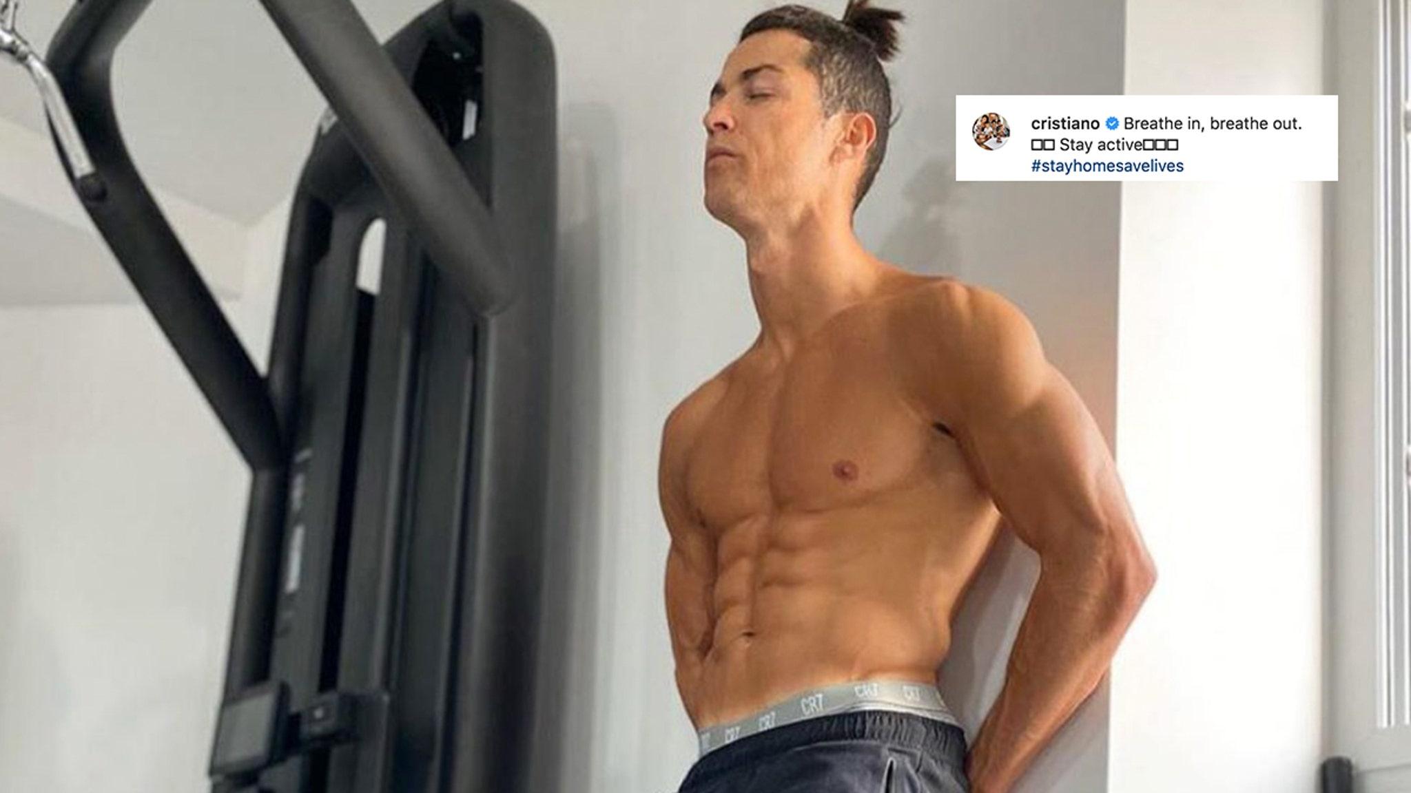 Cristiano Ronaldo Posts Sexy Quarantine Thirst Trap Pic-3731