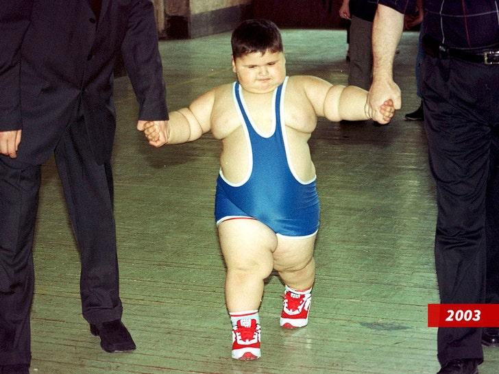 Борец сумо, которого когда-то называли самым тяжелым парнем в мире, умер в 21 год