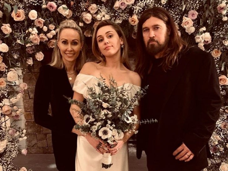 Miley Cyrus, Liam Hemsworth Got Marriage License in Tennessee