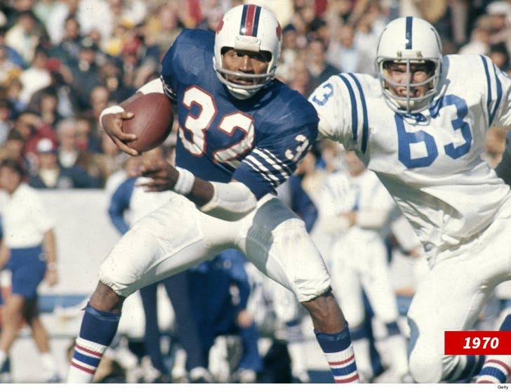 pretty nice 7174a c7bef O.J. Simpson On Bills Giving Away His #32 Jersey, 'Fine With Me'