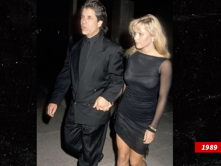 Pamela Anderson Secretly Marries Producer Jon Peters! | Jon Peters, Pamela Anderson, Wedding