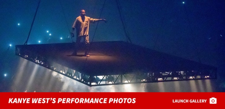 Kanye West's Performance Photos