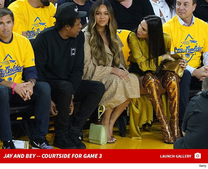 Jay-Z and Beyonce -- Courtside for Game 3
