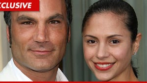 'Shear Genius' Star -- Marriage Comes to a Split End