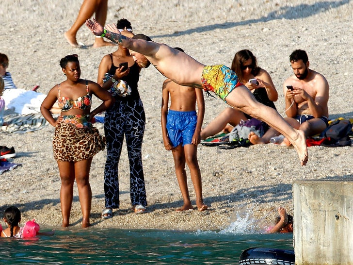 Conor McGregor -- Taking A Dive In France
