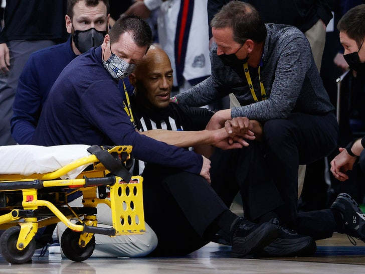 NCAA Ref Bert Smith Says Blood Clot in Lung Caused Collapse at NCAA Tourney.jpg