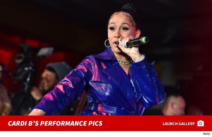 Cardi B's Performance Pics