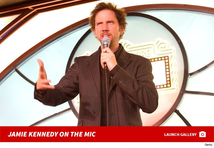 Jamie Kennedy On The Mic