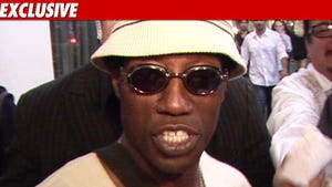 Wesley Snipes in Prison -- Chickening Out for Xmas
