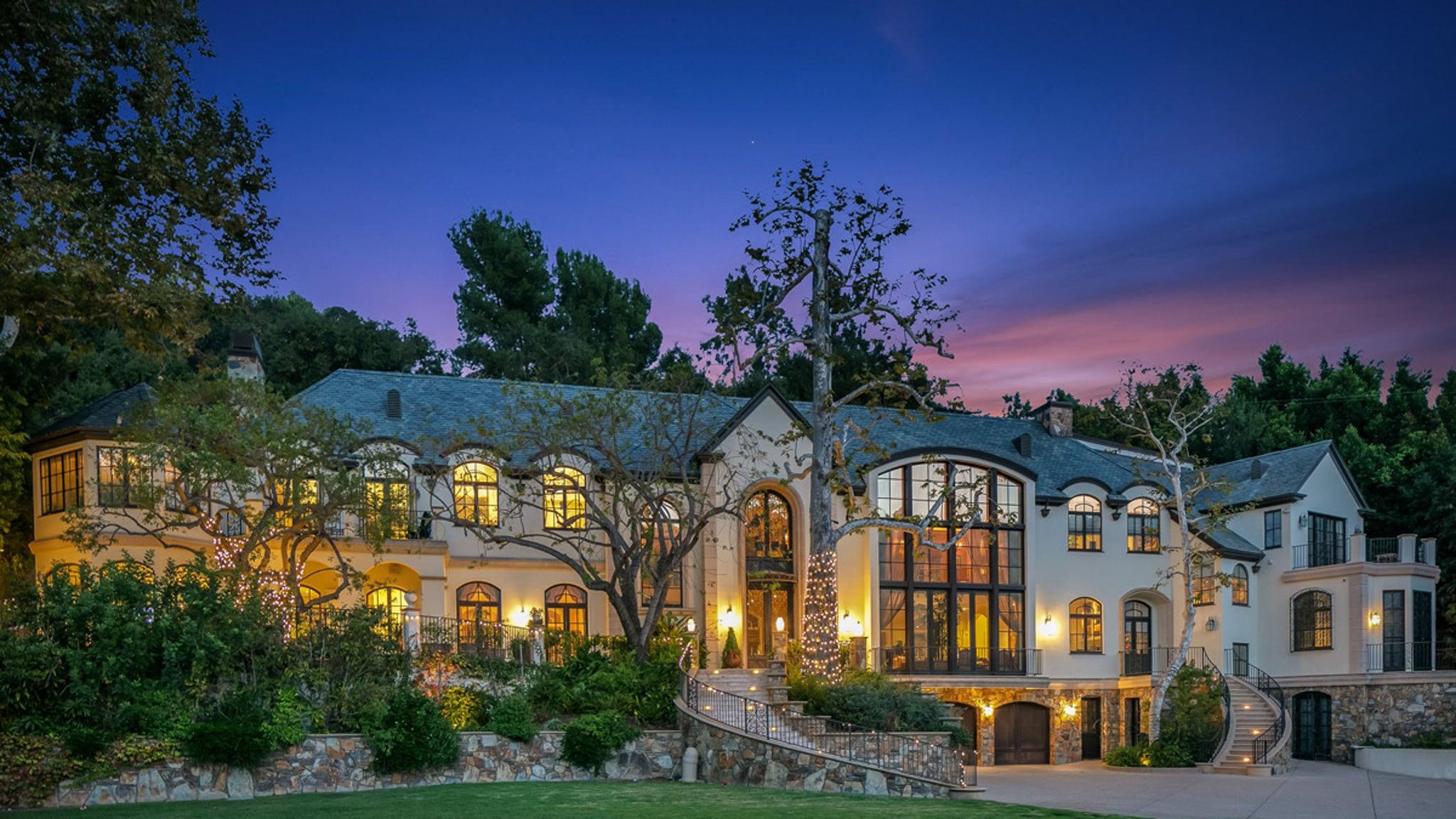 Gene Simmons Sells Beverly Hills Mansion For $16 Million thumbnail