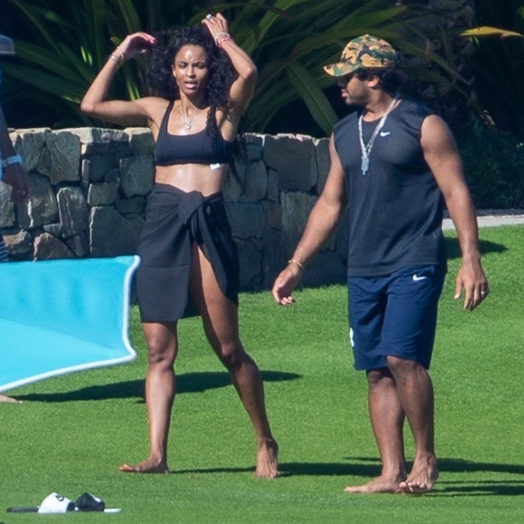 Russell Wilson Plays Futbol In Mexico With Ciara During Seahawks' Bye