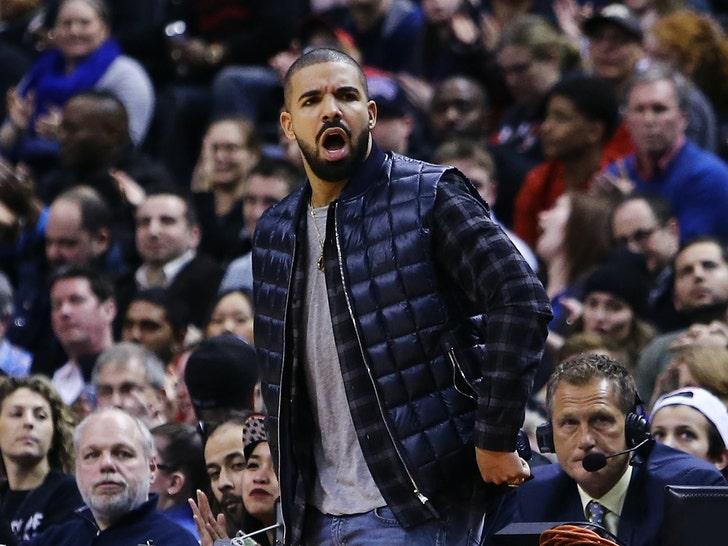 Drake Chillin' Courtside