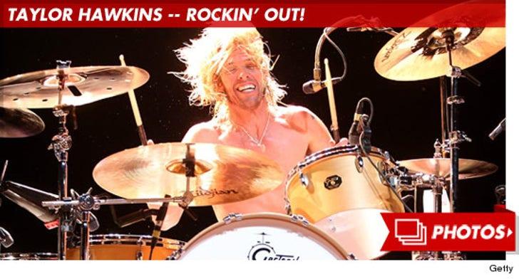 Taylor Hawkins Rockin' Out!