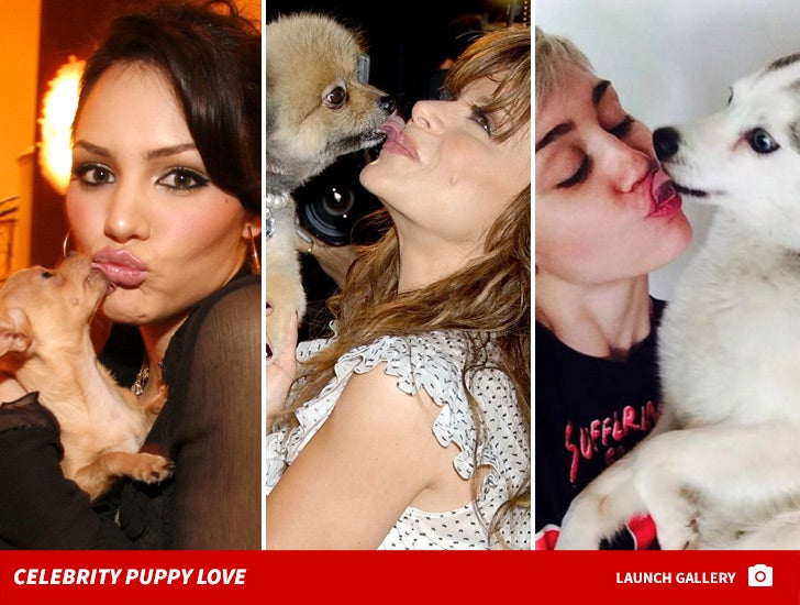 Sloppy Celeb Pooch Smooches -- Puppy Love!
