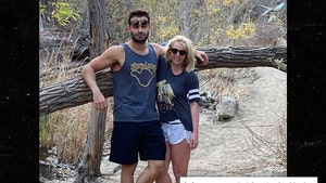 Britney Spears Says BF Sam Asghari Looks Like 'Such a Dad'