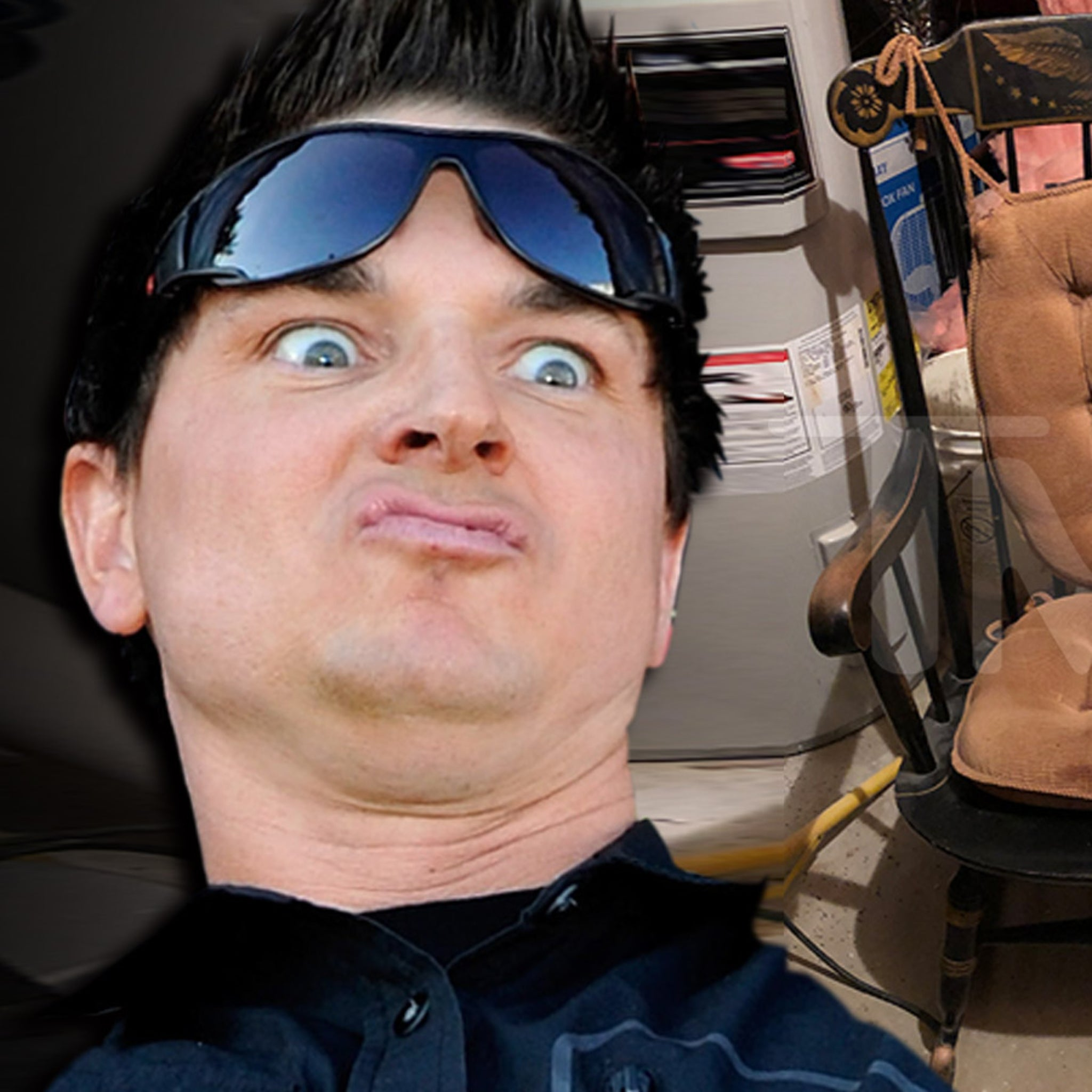 Terrific Zak Bagans Buys Haunted Rocking Chair From Devil Made Me Do Ibusinesslaw Wood Chair Design Ideas Ibusinesslaworg