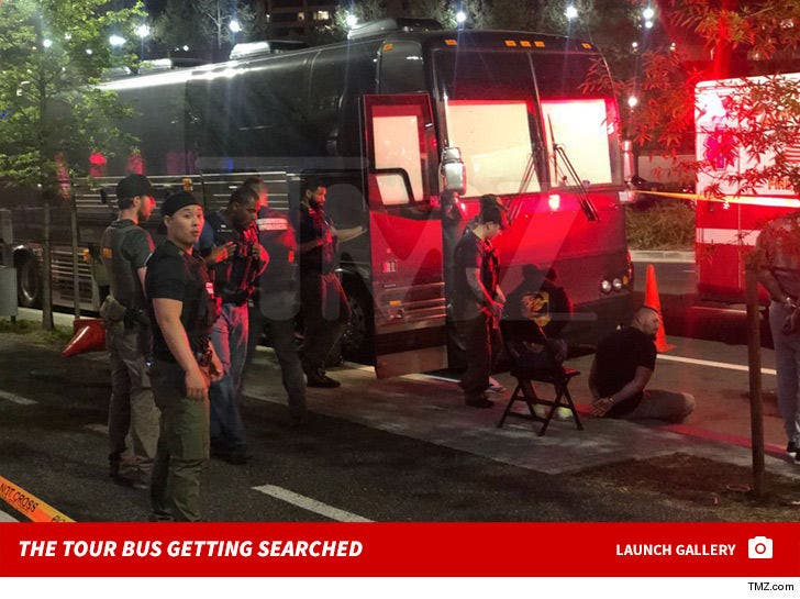 Tour Bus Gets Raided Outside Of Kodak Black's D.C. Show