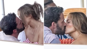 J Lo Gets All Up in Ben Affleck's Lap While Eating Out in Italy
