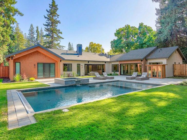 Antonio Brown's Oakland Home -- For $ALE!