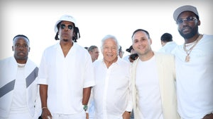 Michael Rubin's White Party Was Star-Studded, Celebs Boogie Down!