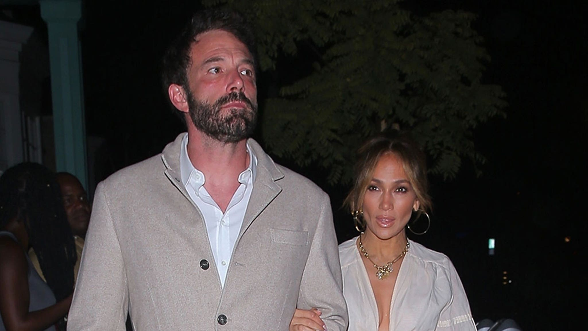 J Lo and Ben Affleck Lock Arms During Date Night in Beverly Hills thumbnail