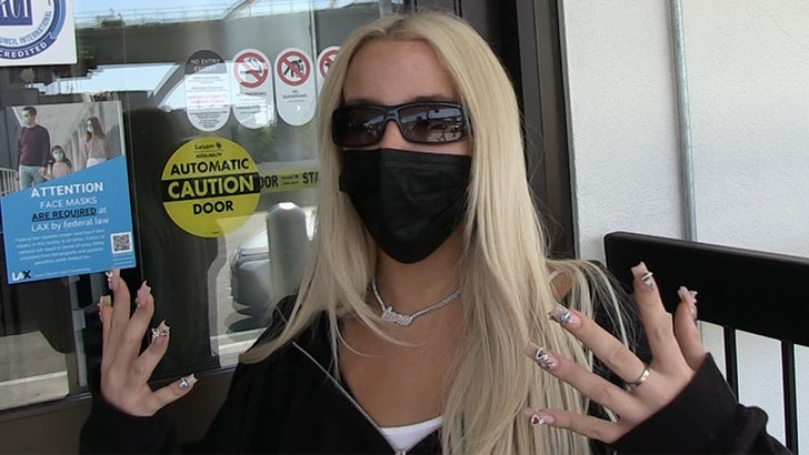 Tana Mongeau Getting 'Crazy' Offers For Celeb Boxing Match.jpg