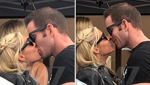 Tarek El Moussa Makes Out with Christina Look-alike on Yacht