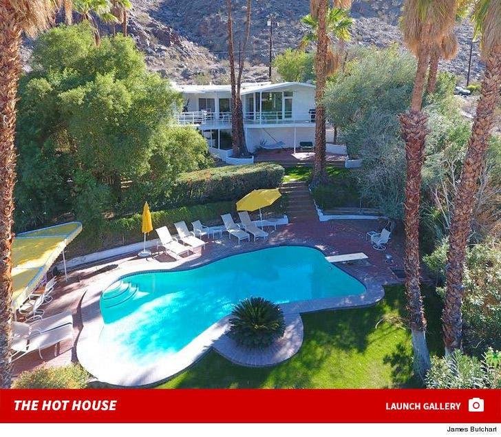 Howard Hughes' Hot Palm Springs House