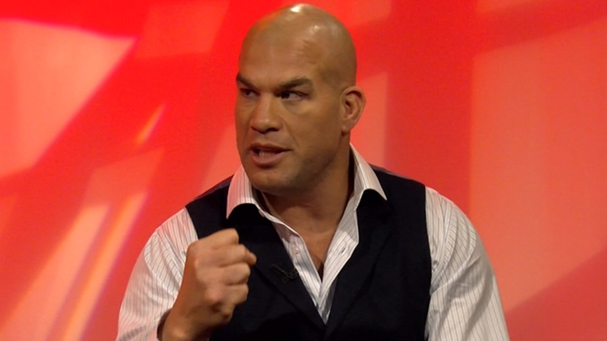 Tito Ortiz Partied Hard And Flirted With Models At