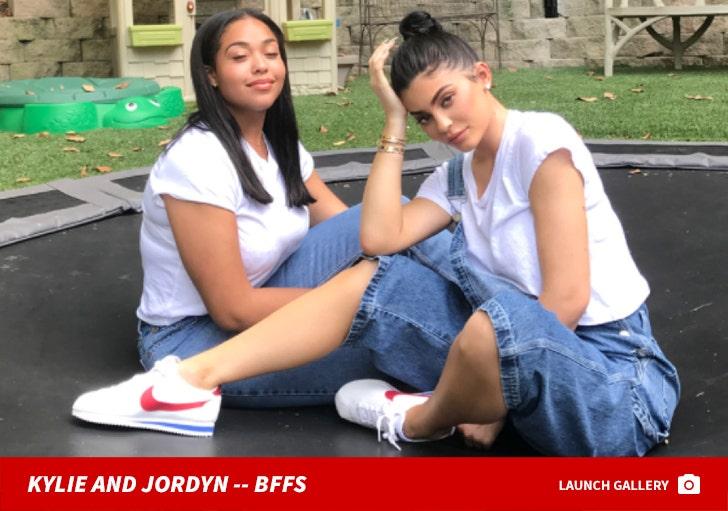 Kylie Jenner and Jordyn Woods -- BFFS