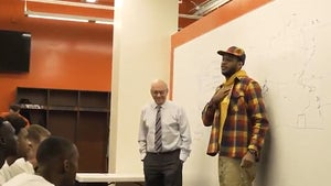 Carmelo Anthony Gives Pump Up Speech to Syracuse Basketball Before Historic Loss