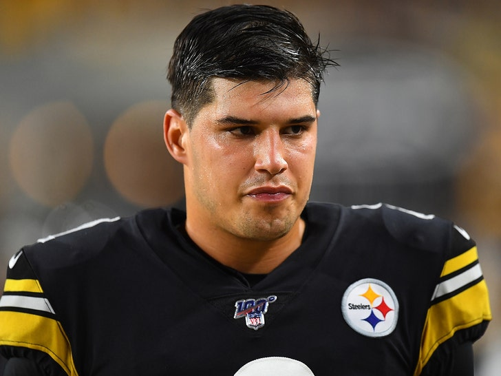 Steelers Qb Mason Rudolph Belatedly Fined 50k For Garrett Fight
